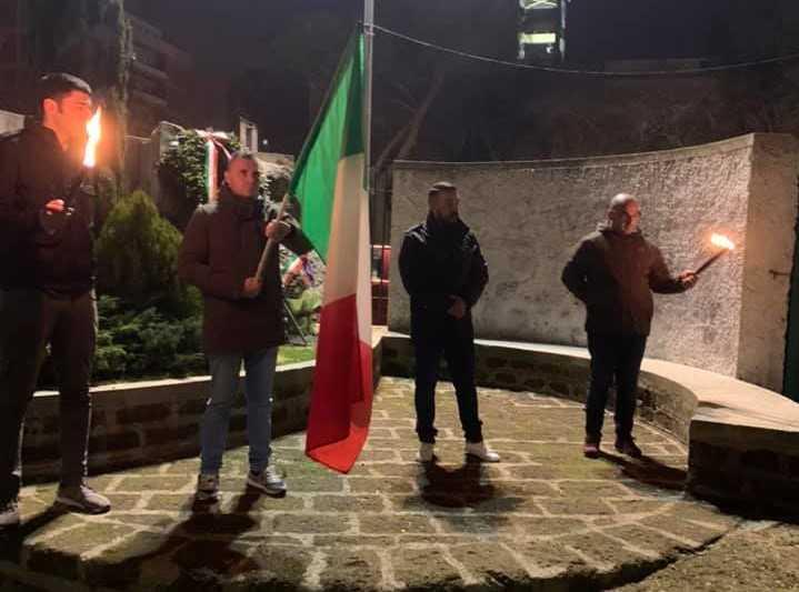 Casapound Civitavecchia celebra da sola i martiri delle Foibe