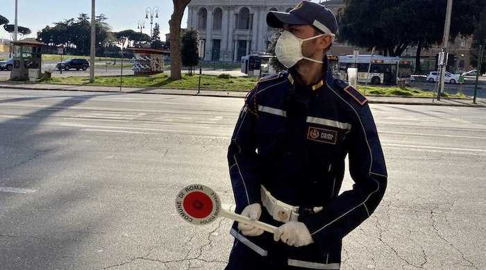 Coronavirus, fermato al mercato Testaccio ma è residente al Torrino: oltre 40 denunciati su circa 17mila controlli