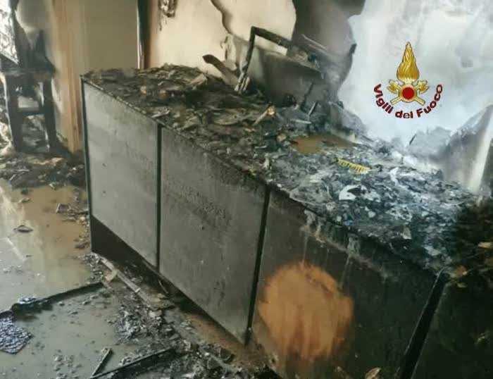 Incendio all'Appio Latino: un bambino trasportato in ospedale