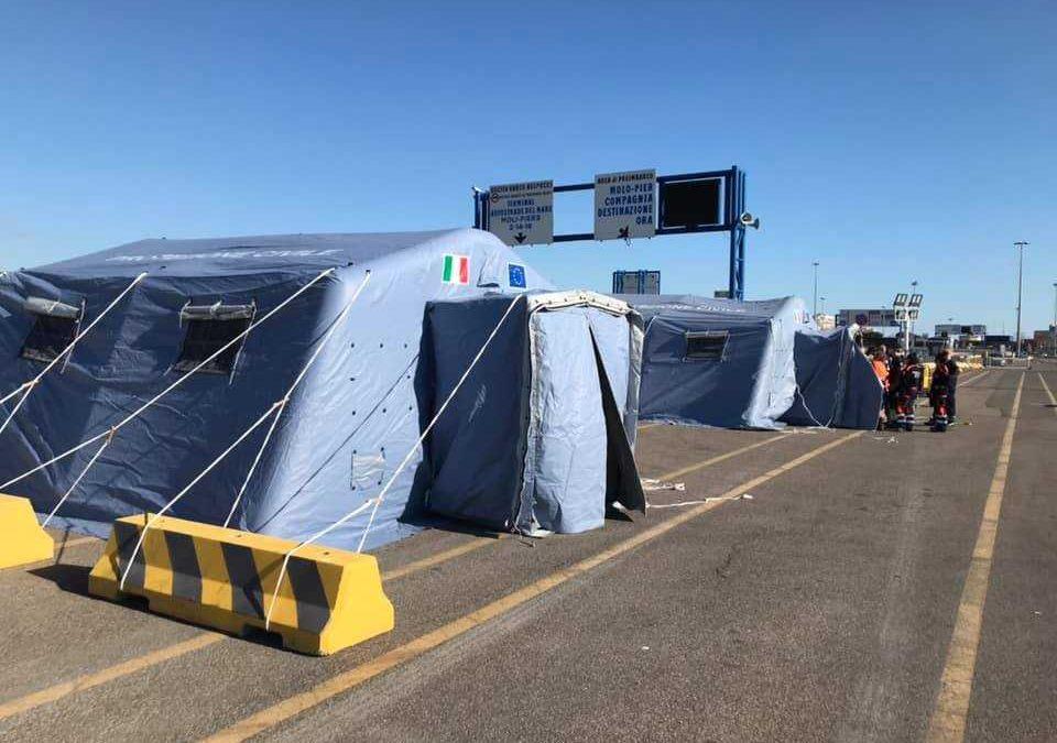 """Civitavecchia, la Asl: """"La tenda al porto non fa tamponi a tutti"""""""
